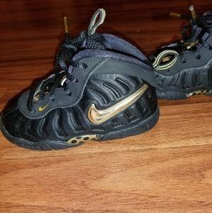 LIKE NEW toddler Nike sneakers.